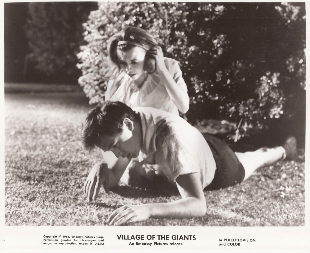 "Village of the Giants"" vintage 8x10"" still photo Tommy Kirk Charla Doherty 1965"