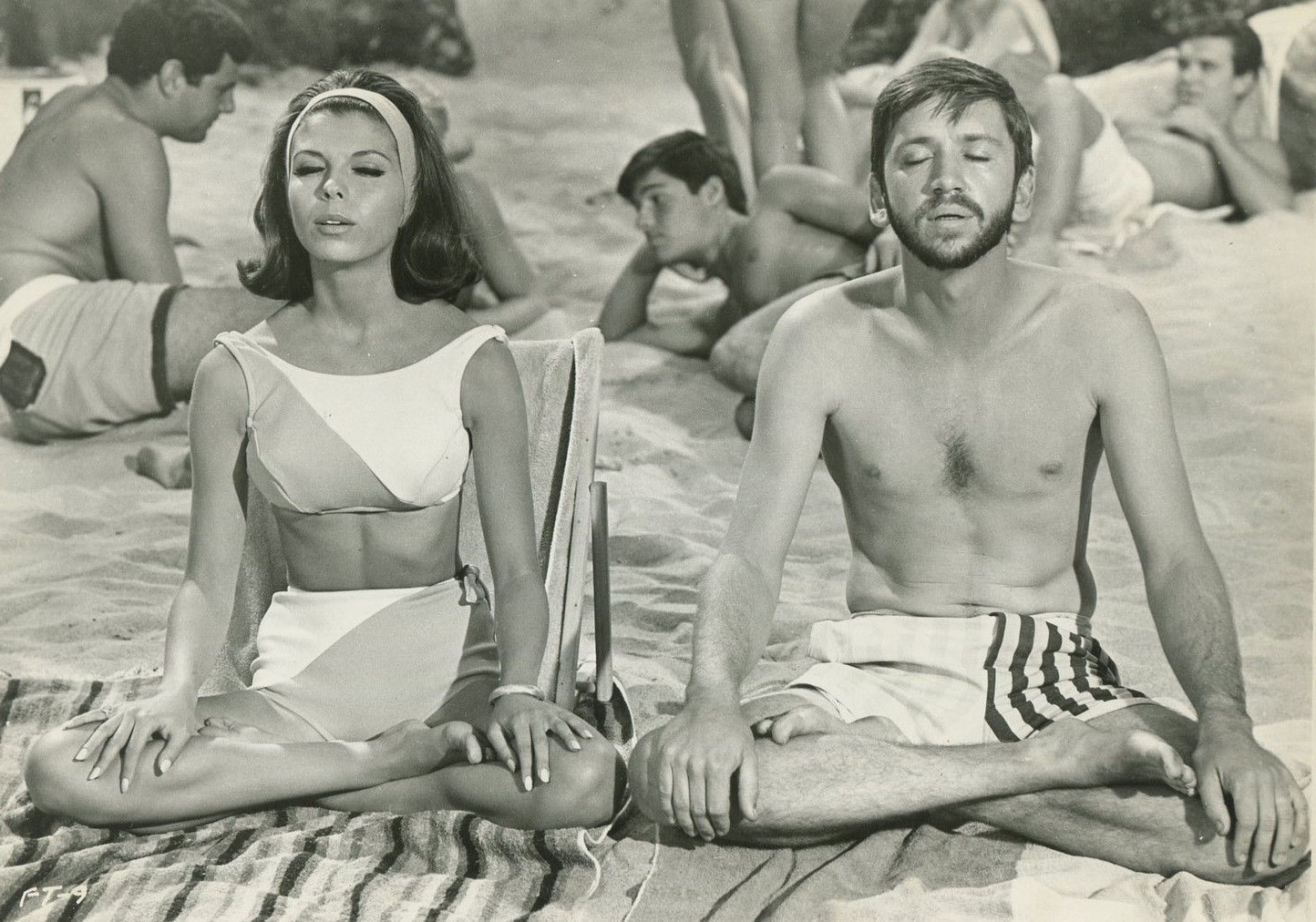 https://beachmovies.files.wordpress.com/2015/07/for-those-who-think-young-_64-nancy-sinatra-bob-denver-michael-nader-meditating-e1437277093297.jpg