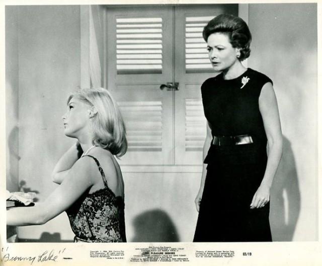 PLEASURE SEEKERS-1964-8X10 PROMO STILL-PAMELA TIFFIN-CAROL LYNLEY-COMEDY-MU VG