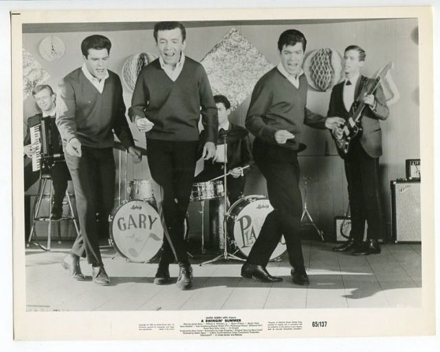 SWINGIN' SUMMER-8X10-STILL-COMDEDY-MUSICAL-DOVELLS-GARY LEWIS&THE PLAYBOYS