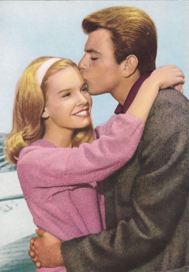 """CINDY CAROL & FABIAN n""""erasmus with freckles-1960s MOVIE STARS duo FAN postcard1"""