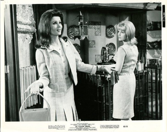 PLEASURE SEEKERS-1965-8X10 PROMO STILL-CAROL LYNLEY-PAMELA TIFFIN