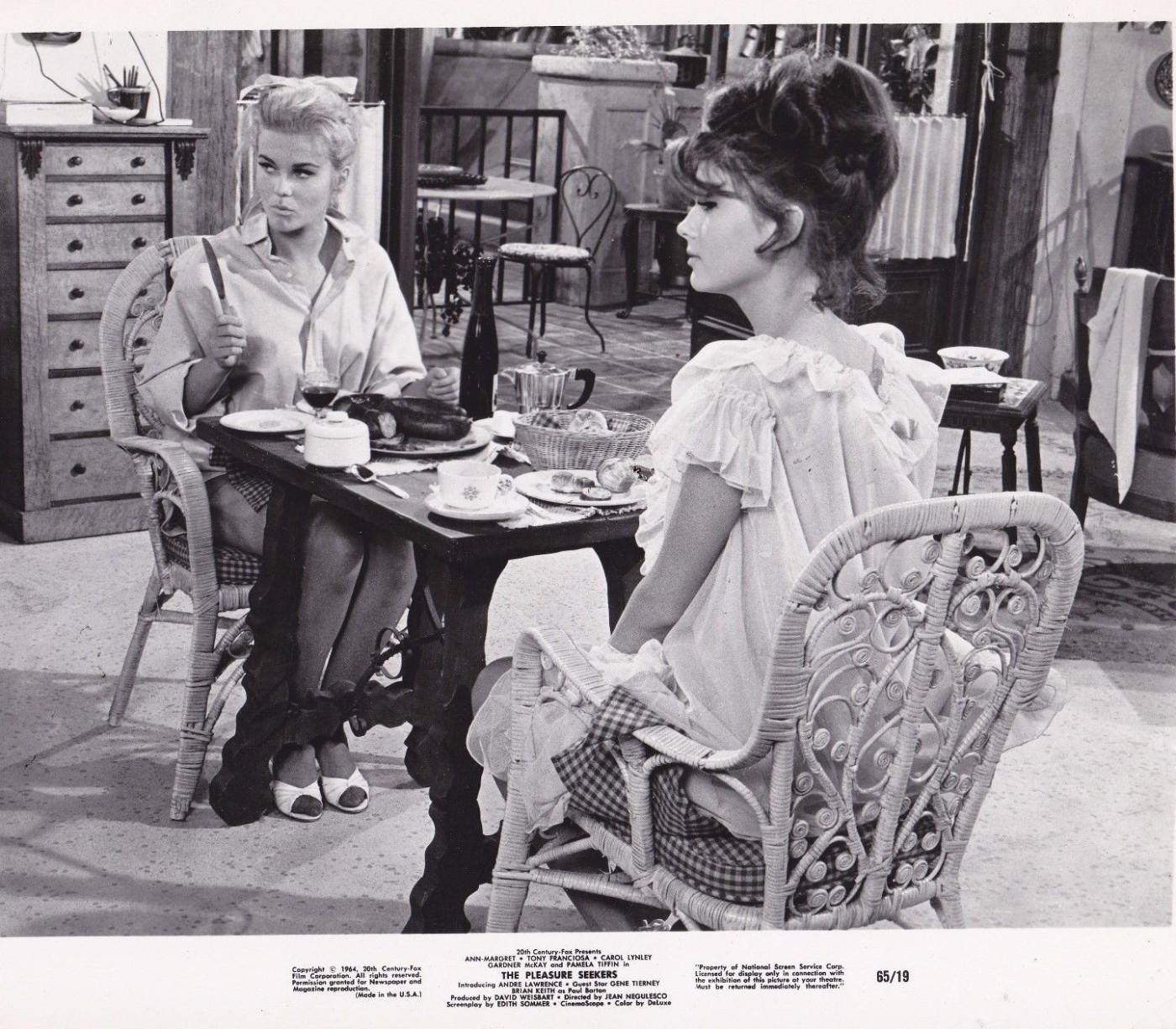 Mujeres-blanco y negro- - Página 14 Ann-margret-pamela-tiffin-8x10-movie-still-photo-1964-pleasure-seekers-e1445054218969