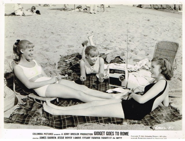 CINDY CAROL & friends sexy leggy bikini beach pinup photo Gidget Goes to Rome s-l1600