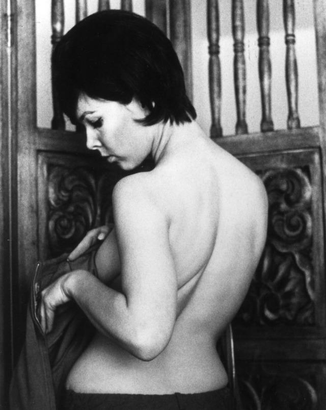 Yvonne Craig bare back