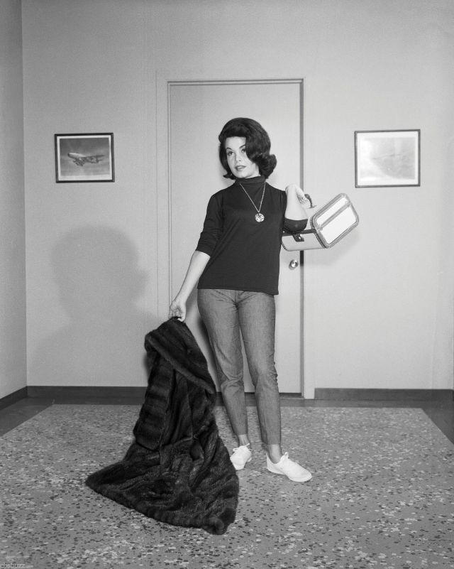 Annette Funicello BURKE'S LAW - TV SHOW PHOTO #2 - WITH Annette Funicello