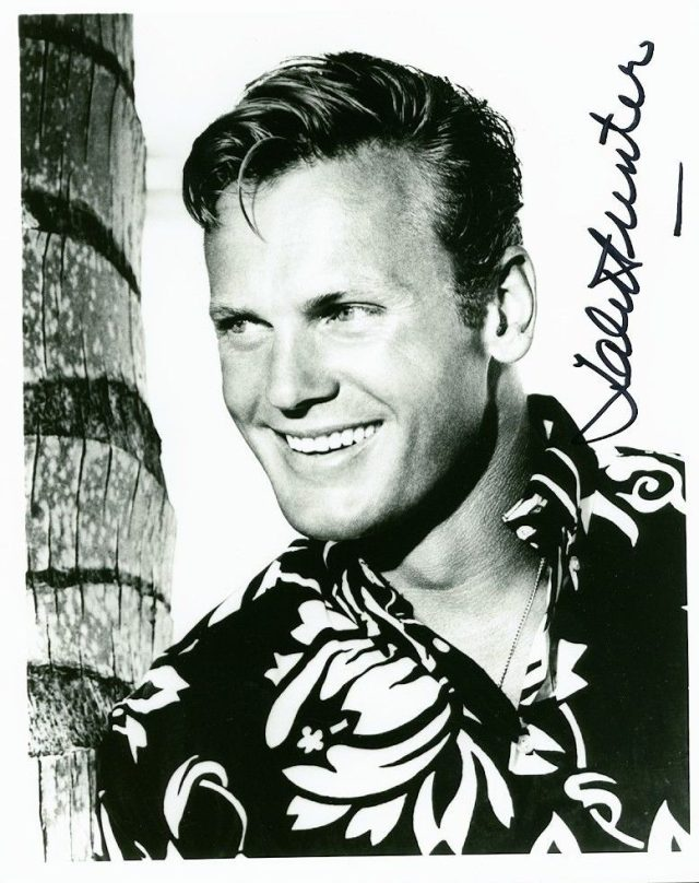 Ride the wild surf TAB HUNTER SIGNED 8X10 PHOTOGRAPH WEARING HAWAIIAN SHIRT s-l1600