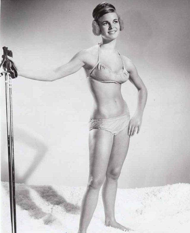 1965 Ski Partty Salli Sachse busty leggy VINTAGE Photo