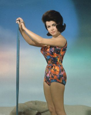ANNETTE FUNICELLO - RARE GUEST APPEARANCE - TV SHOW PHOTO #37