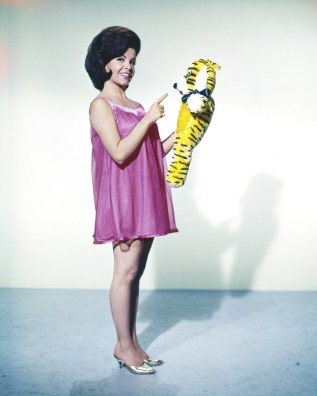 Annette Funicello toger