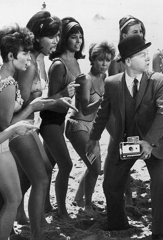 HTSAWB Mickey Rooney + girls