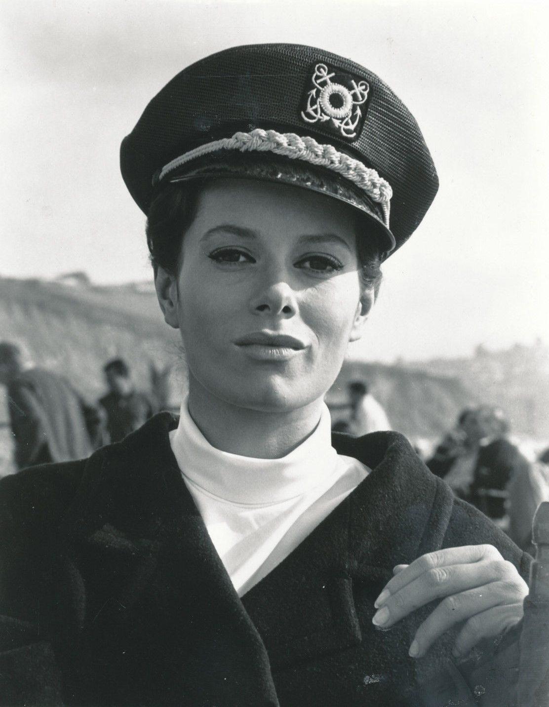 images Luciana Paluzzi (born 1937)