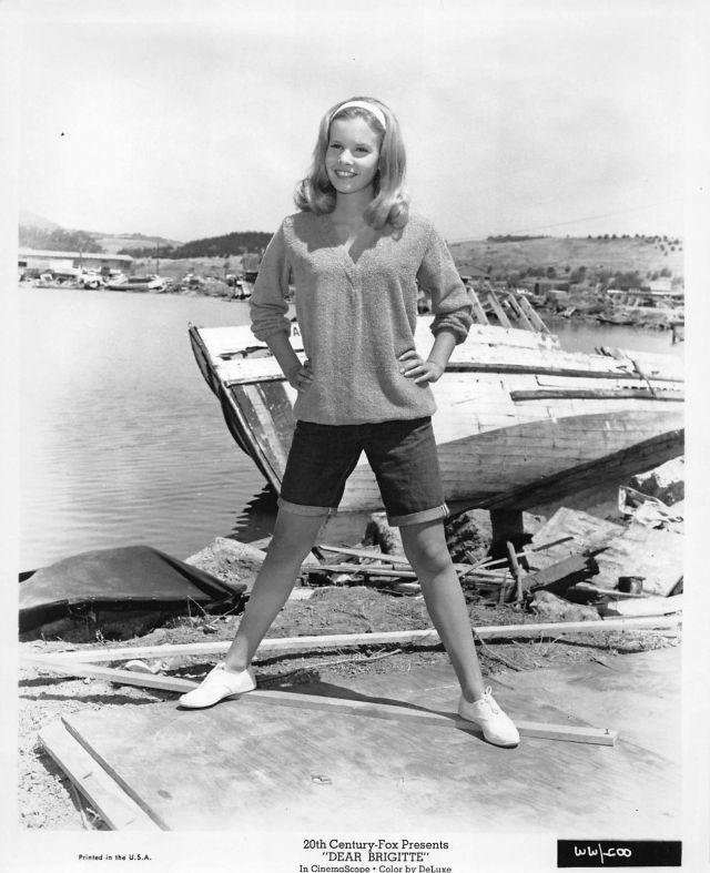 """CINDY CAROL vintage sexy leggy busty """"Dear Brigitte"""" photo, 1965"""