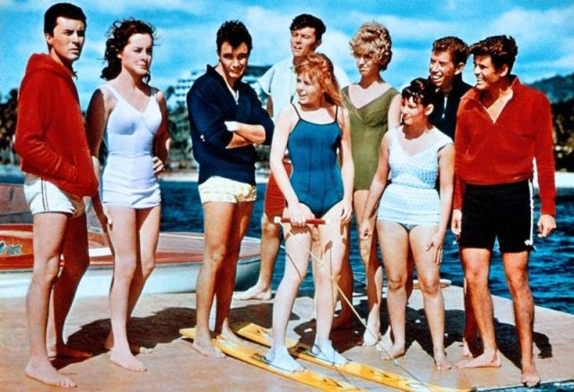 gidget-goes-hawaiian-deborah-walley-vicki-trickett-07